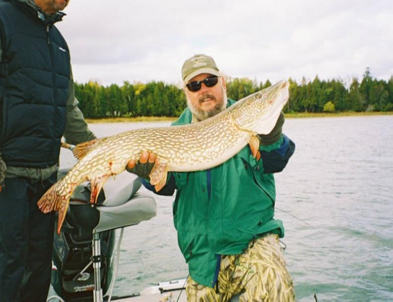 muskie fishing guide fall green bay