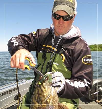 fishing guide in green bay for walleyes