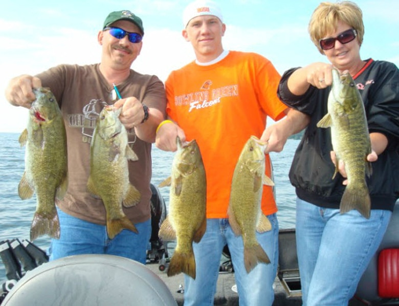 smallmouth fishing guide service green bay