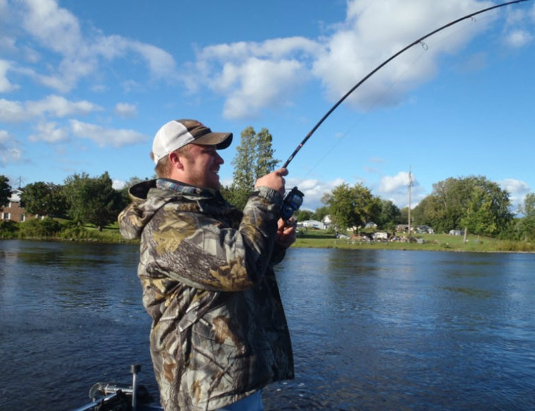 sturgeon fishing guide service on menomonie river