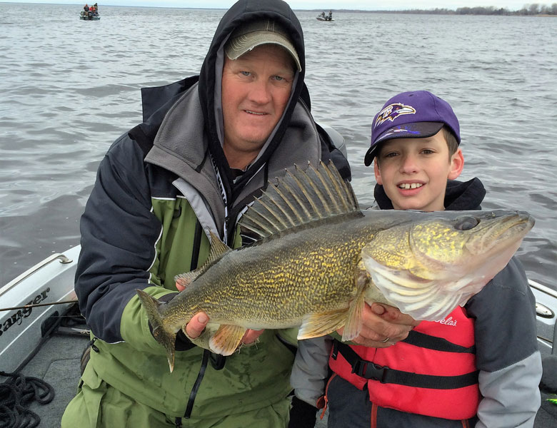 huge spring walleyes on green bay with guide bret alexander